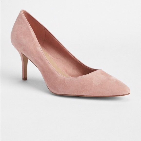 47c9b138b66 GAP Shoes - GAP Classic Pumps in Suede - Dusty Rose Pink Sz 7